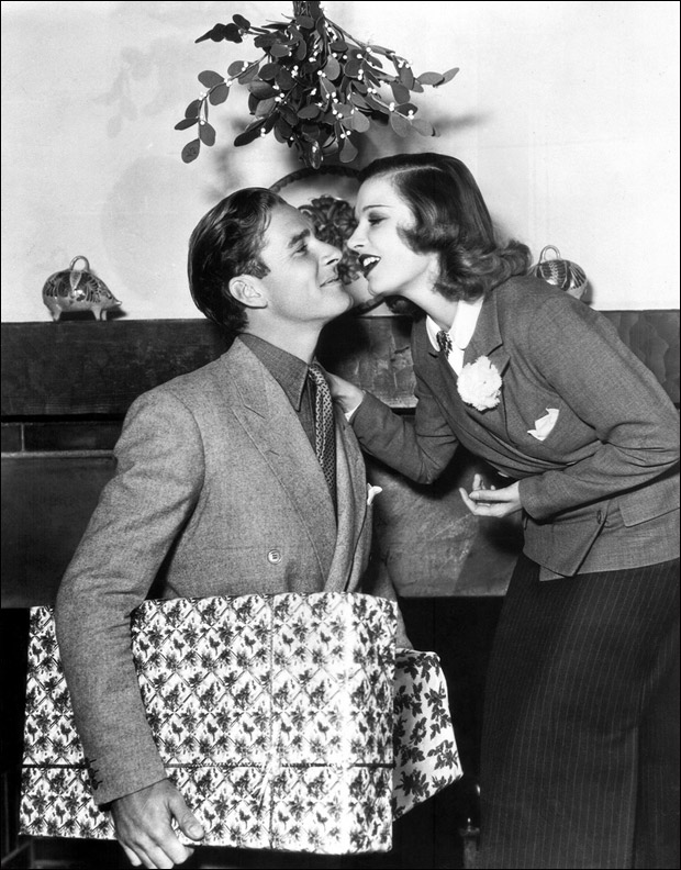 Under the Mistletoe – A Christmas Kiss from ELF « The Errol Flynn Blog