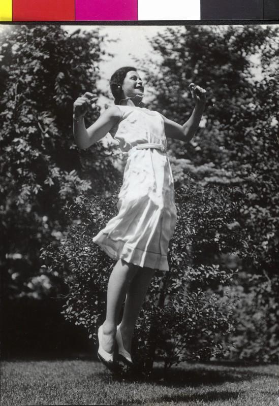 jumping-hedy.jpg