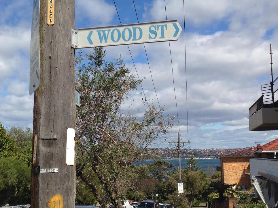 Manly 4 Wood Stret Sign with Water