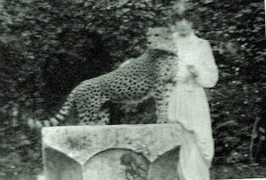Luisa Casati and cheetah