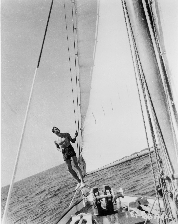 Errol-Flynn-sailing-2.jpg